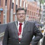 Hart onder de riem van burgemeester Bruls
